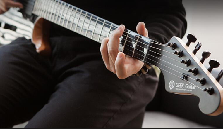 GEEK极客智能吉他
