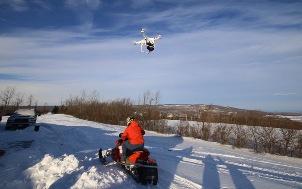 无人机新用途:定位移动设备,绘制用户运动地图