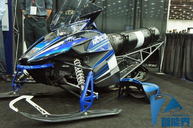 美国大学生研制出首款天然气动力雪地摩托