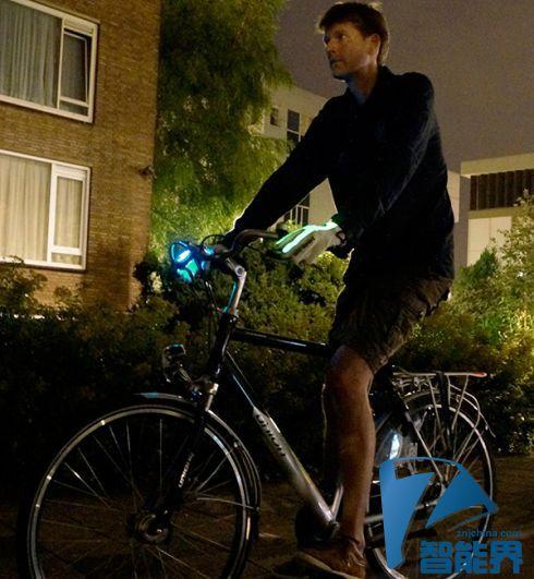 骑行者的灯光系统 发光手套炫酷又实用