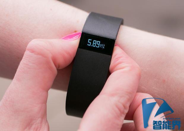 Fitbit健身腕带最受欢迎 Apple Watch还凑合
