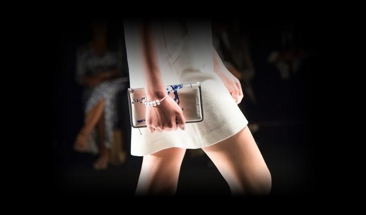 当无线充电遇上钱包:技术是里子,时尚是面子