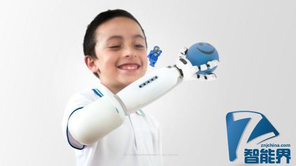 兼容乐高的假肢亮相 能帮助孩子放飞想象力