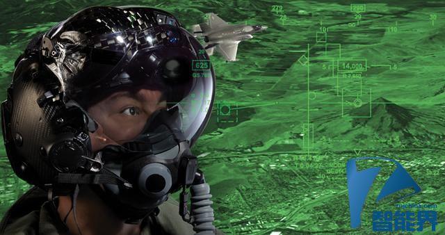 这种头盔能让飞行员拥有透视能力