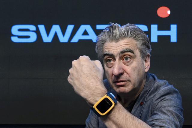 斯沃琪将推多款智能手表  传统表商发力