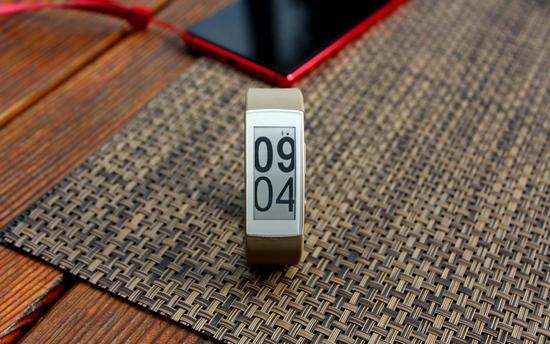 联想推出新款智能手环VB10:使用电子墨水屏