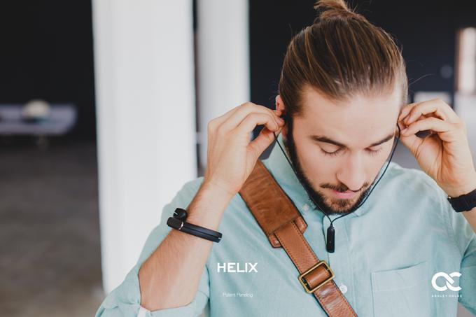 HELIX蓝牙耳机:用起来像吊坠、戴起来像手环