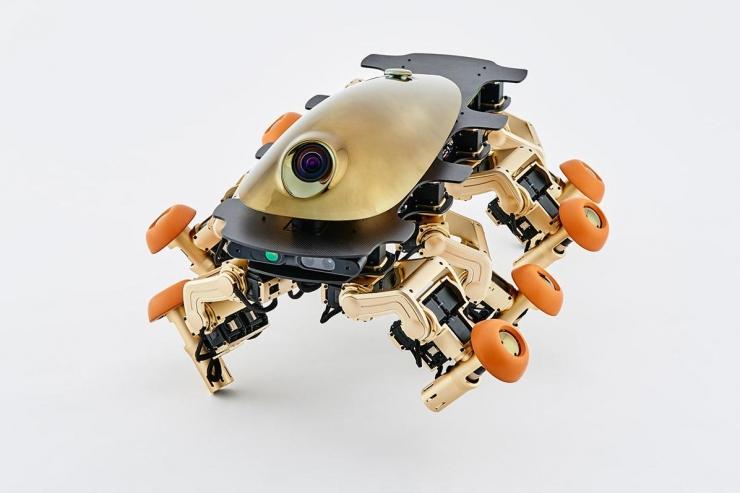 这个奇葩的八脚机器人是未来的交通工具