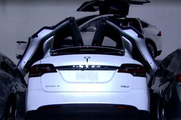 续航里程为413km 特斯拉Model X正式发布
