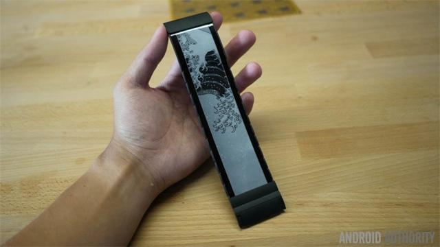 Wove柔性智能手环:可任意弯曲不会破损