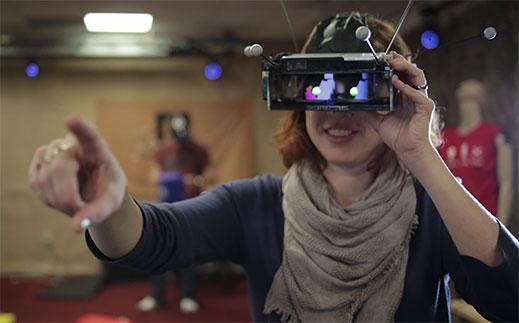 虚拟现实也能联机?微软正在努力中