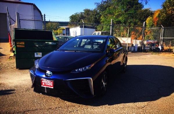 液态氢动力汽车 Toyota Mirai将销售