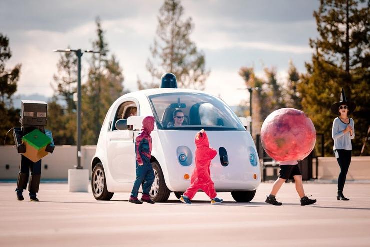 Google无人驾驶车遇到小孩会更小心了