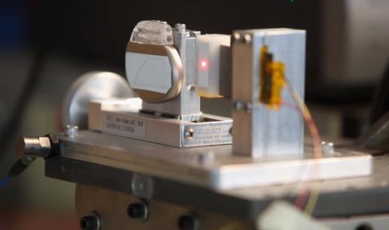 科学家研发出不用电池的起搏器 由心脏供电