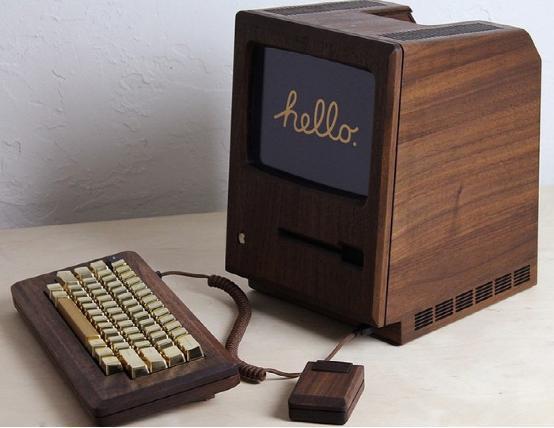 胡桃木复刻版第一代Mac电脑 键帽都是镀金的