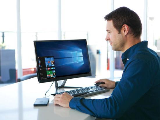 PC机放进裤兜不再是梦 一切因科技而美好
