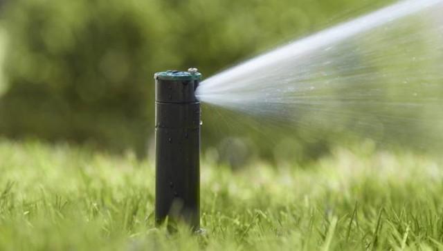 国外联网洒水系统 避免了一场火灾的发生