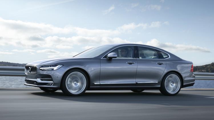 无人驾驶技术成熟之前,我们先来看下 Volvo 高度自动驾驶技术 Pilot Assist