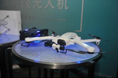 创新与颠覆 疆域智能发布两款无人机Spider X和Hornet S