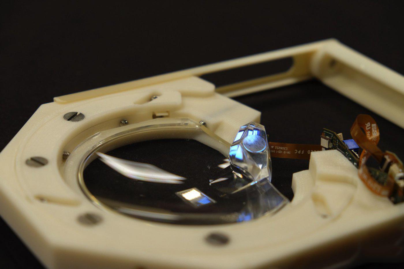 这款 Carl Zeiss 智慧眼镜「看起来」真的自然多了