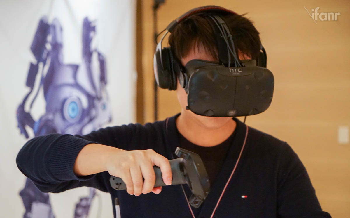 为了更快的体验到更多游戏,HTC Vive 将迎接 2D 桌面影院模式