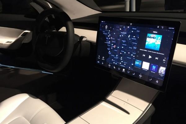 无仪表盘 特斯拉Model 3将支持抬头显示
