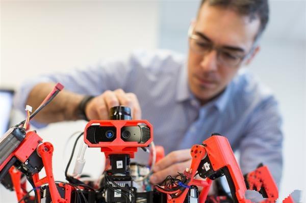 西门子3D打印蜘蛛机器人 原料来自玉米