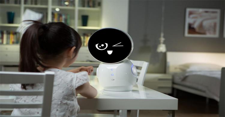 小忆机器人新品发布会在京召开 主打儿童陪伴