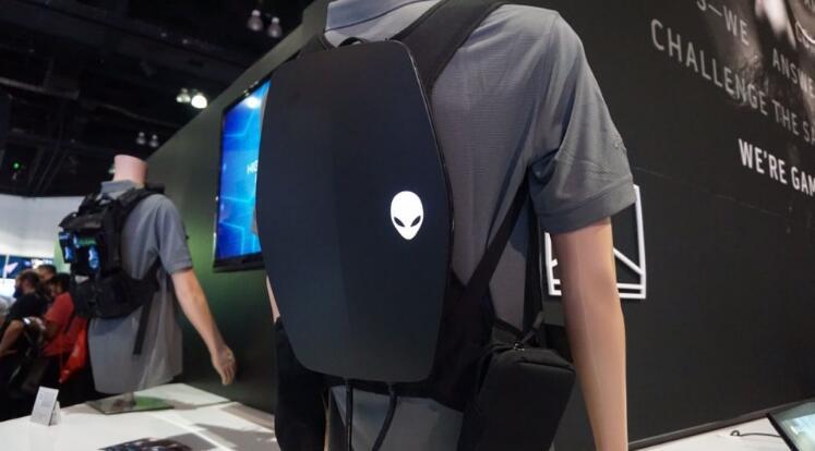 随时随地的沉浸式体验!Alienware打造了一款VR背包