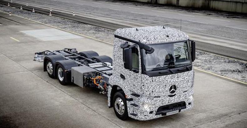 奔驰推出首款纯电动商用卡车 续航200公里