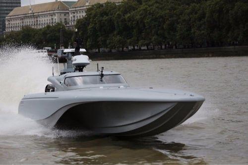 这次不是汽车了 无人驾驶快艇现身泰晤士河