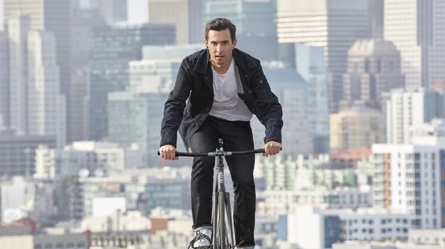 骑行爱好者福音 Google推出智能夹克衫