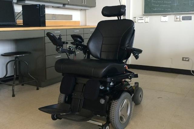 除了飞机和汽车 轮椅其实也能实现自动驾驶