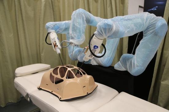 自带触觉反馈的机器人 隔空微创手术so easy