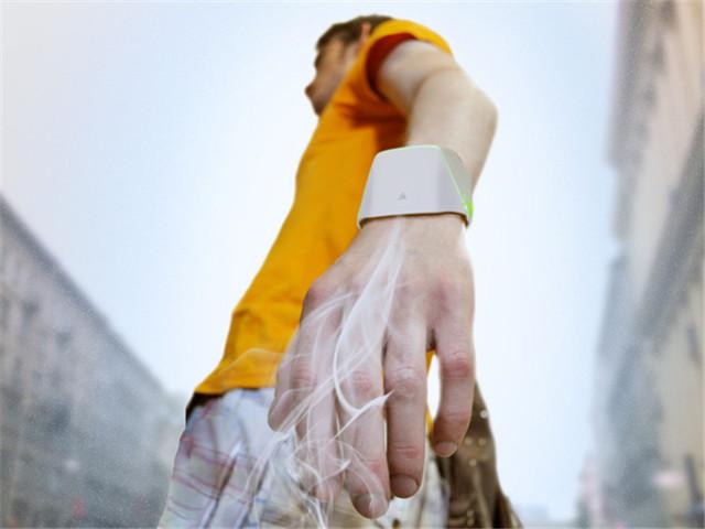 随时佩戴在手腕 全新便携式空气净化器