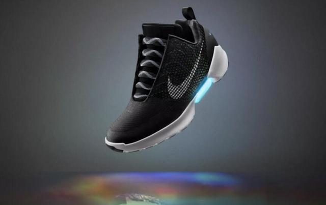 耐克能自动系鞋带的黑科技跑鞋12月开卖 售价720美元