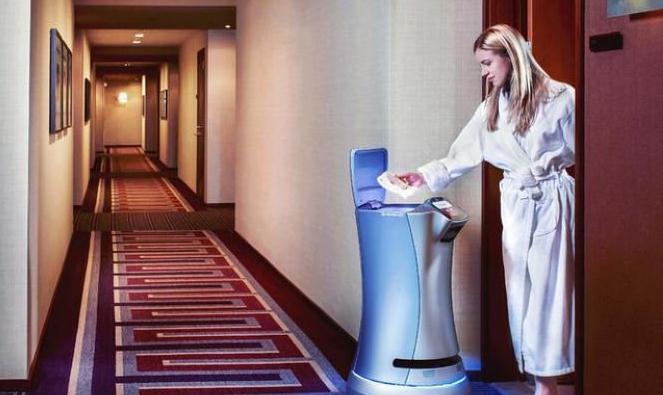 还是你们城里人会玩 入住高级公寓还配备机器人管家