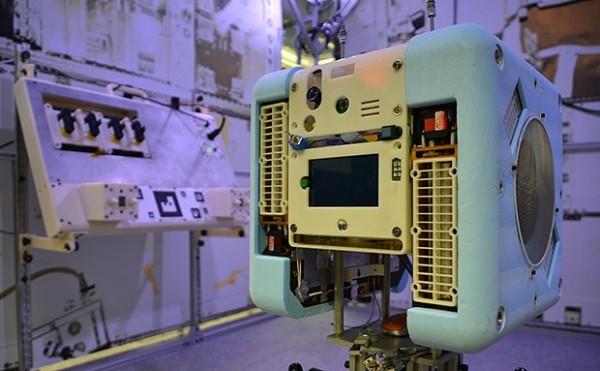 新一代太空机器人来了 专为宇航员提供帮助