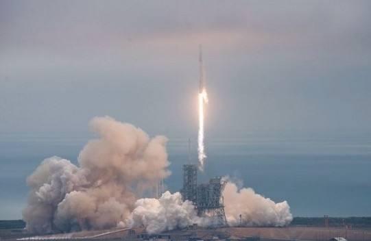 """人类历史首次!SpaceX成功发射""""二手火箭"""""""