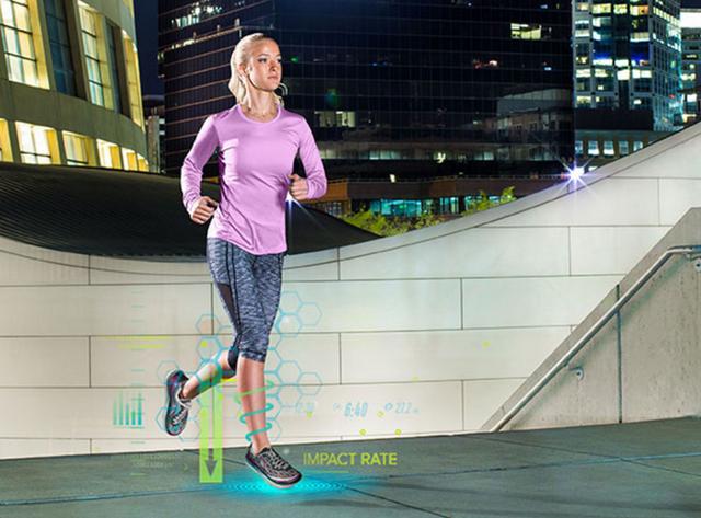 世界首款智能运动跑鞋来了 鞋内暗藏AI私人教练