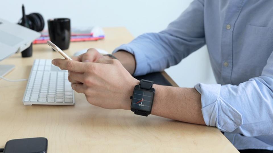 【智能界大百科】颜值又高又能给手机充电的手表Uvolt Watch