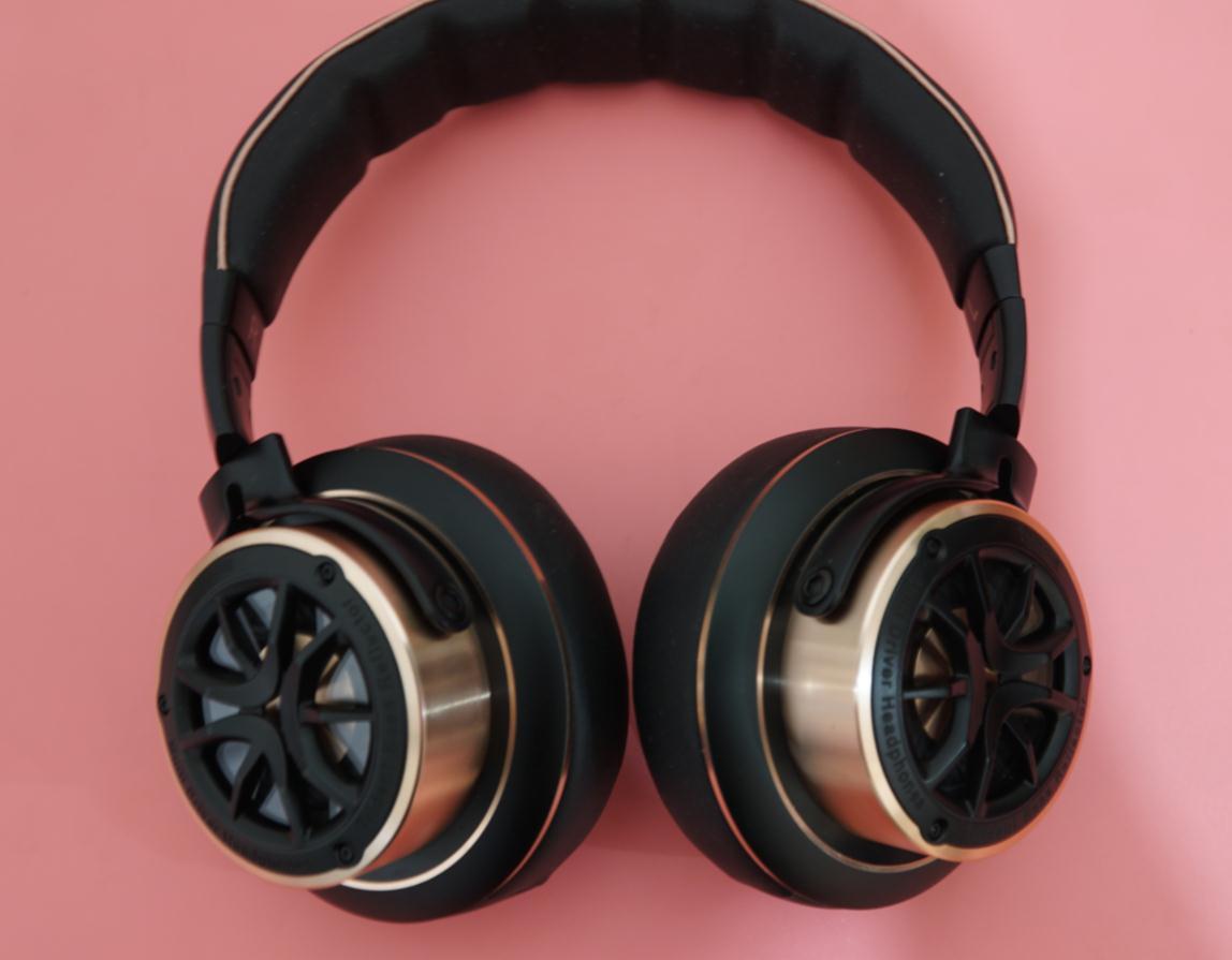 跑车轮毂设计的1MORE H1707三单元头戴式耳机评测