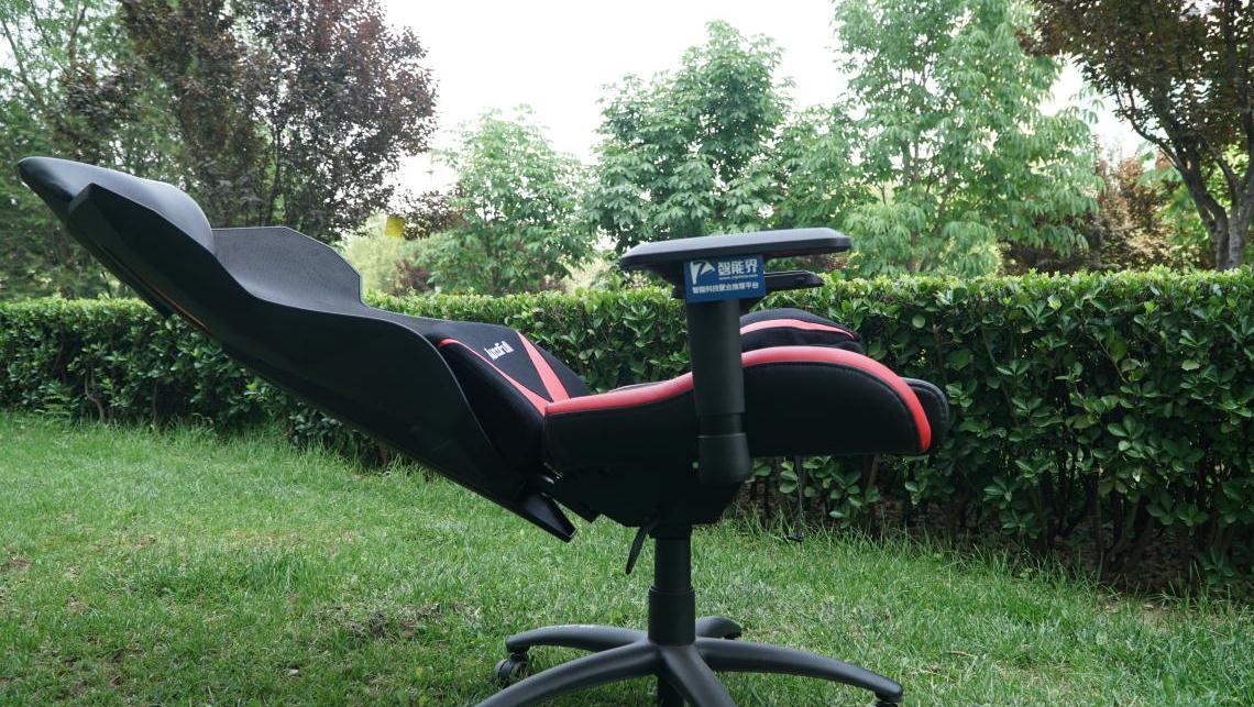 坐躺随意,舒适游戏 Autofull傲风电竞椅试用
