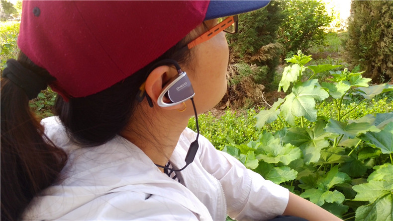 运动无索牵绊 音乐更加轻松享--欧雷特B80运动蓝牙耳机