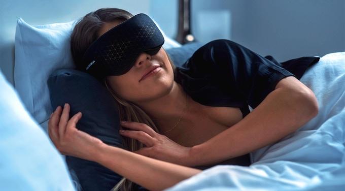 高科技眼罩助你睡眠 你想不到还有这种操作