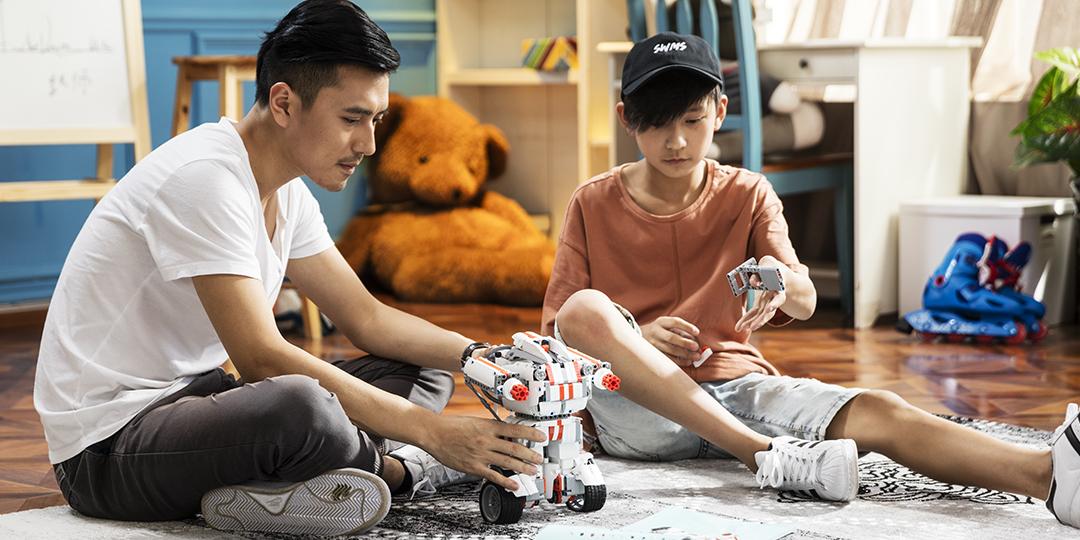 小米儿童产品双11大促 米兔积木机器人获美国堤利威格玩具奖