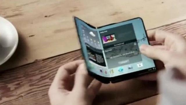 三星首款可折叠屏手机Galaxy X真机即将展示