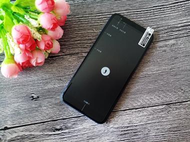 这款手机后置双摄全面屏价格却不足千元,元芳你怎么看?