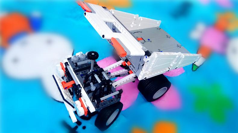 与孩子一起享受拼装的乐趣-米兔积木矿山卡车体验