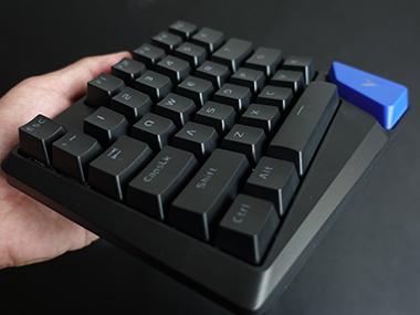 专为游戏而生——雷柏V550 RGB单手游戏机械键盘评测